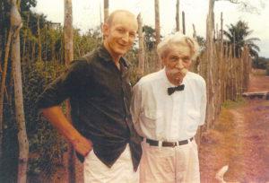 Jean-Pierre Willem et Albert Schweitzer Jean-Pierre Willem a été l'un des derniers assistants du Docteur Albert Schweitzer en 1964 à Lambaréné, au Gabon, et participe toujours à de très nombreuses missions humanitaires.