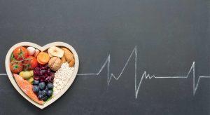 Prendre soin de soi grâce à son alimentation : les conseils du Dr Gigon