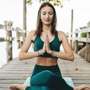 bienfaits du yoga sur le moral