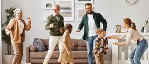 famille danse bonheur